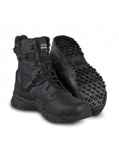 Die Stiefel, die SWAT-Alpha...